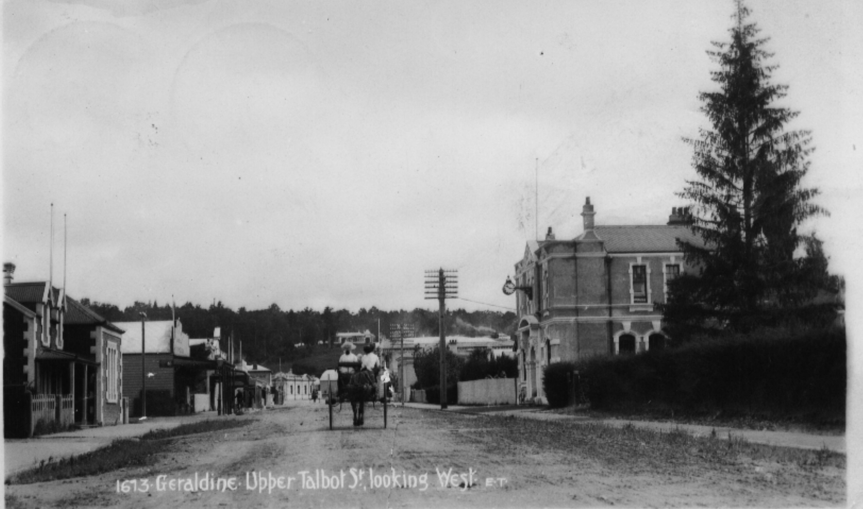 1077-Upper-Talbot-Street-looking-north